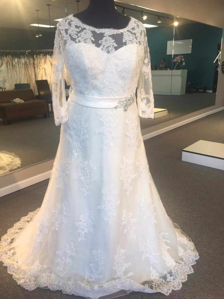 Plus Size Wedding Dress Sale - Save $150 | GARNET + grace discount ...