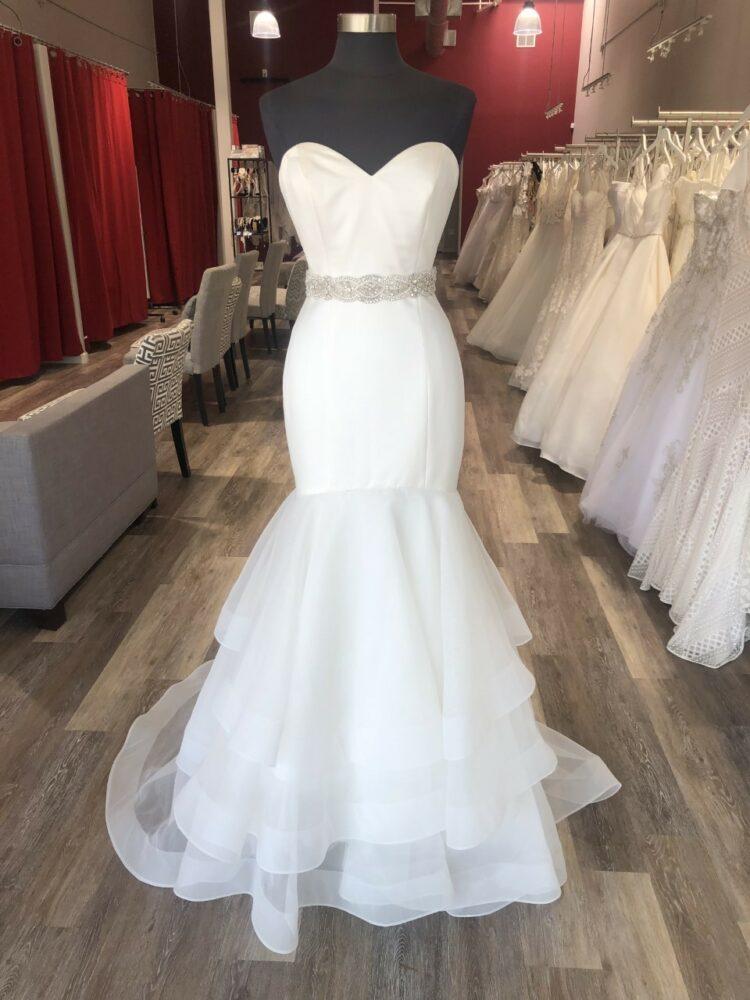 3 Ways to Style One Wedding Dress
