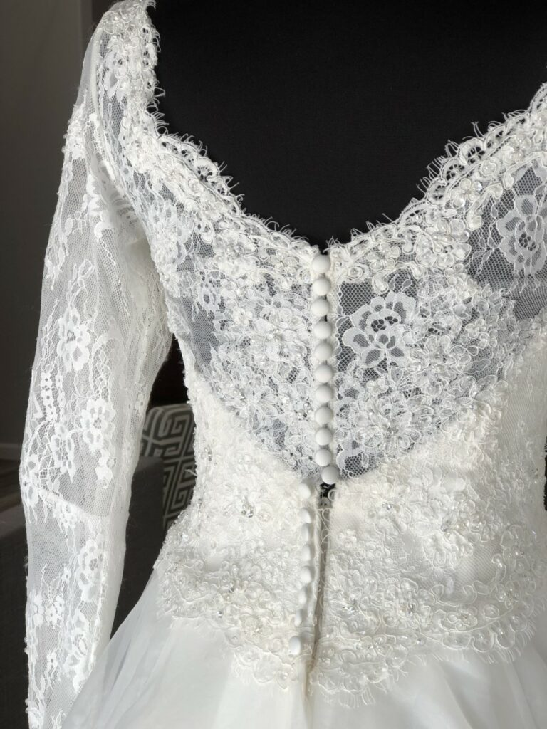 button back long sleeve lace wedding dress