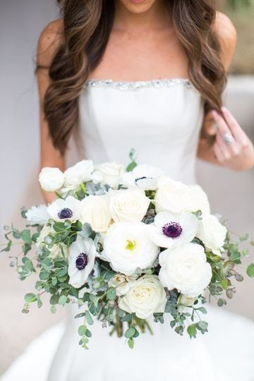 white flower wedding bouquet